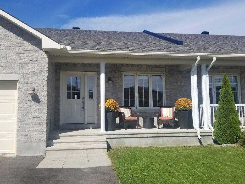 Townhouse for sale at 415 Honeyborne St Almonte Ontario - MLS: 1171712