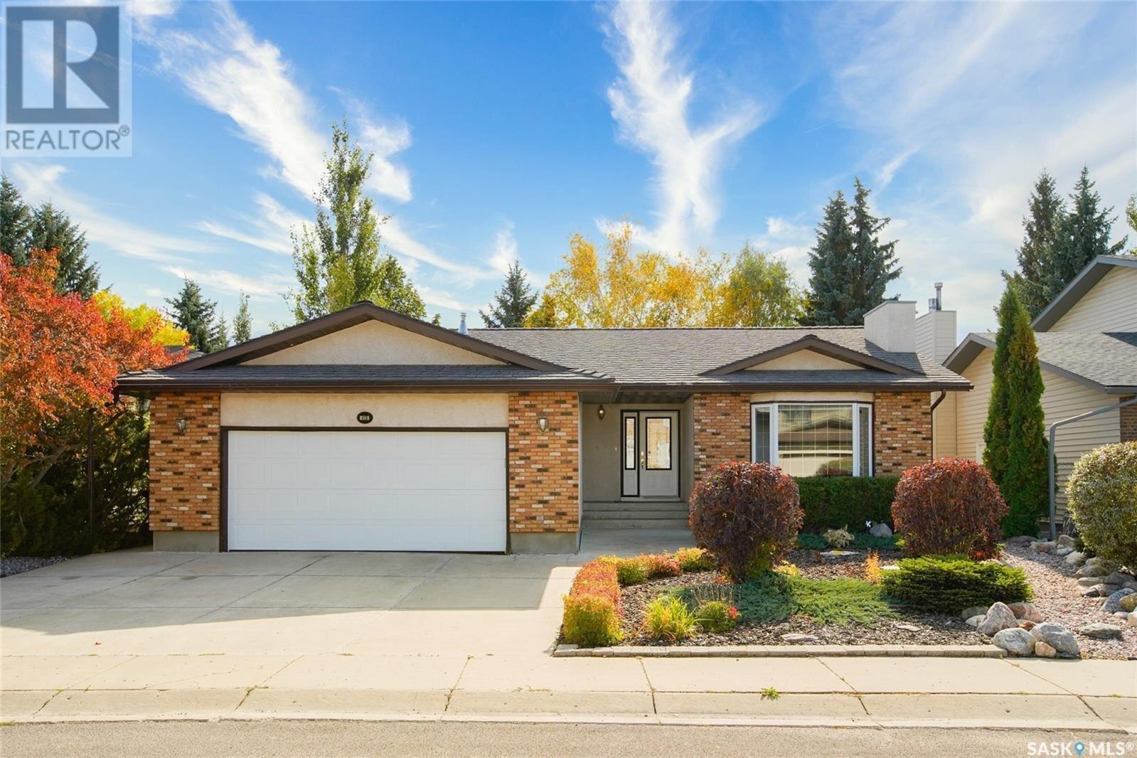 House for sale at 415 Mallin Cres Saskatoon Saskatchewan - MLS: SK834299