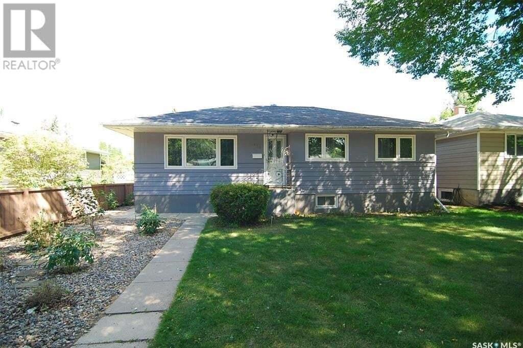 House for sale at 415 Maple St E Saskatoon Saskatchewan - MLS: SK827652