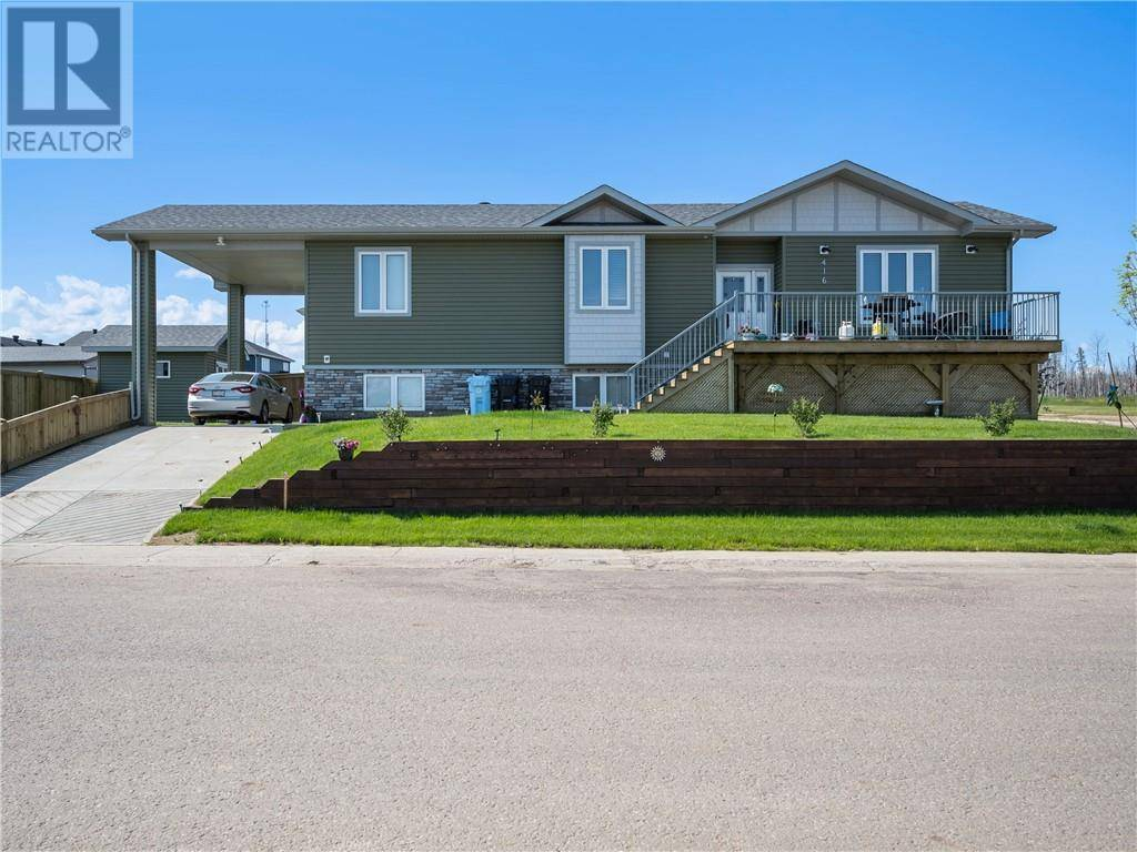 House for sale at 416 Beacon Hill Dr Fort Mcmurray Alberta - MLS: fm0172097