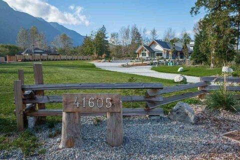 41605 Grant Road, Squamish | Image 2
