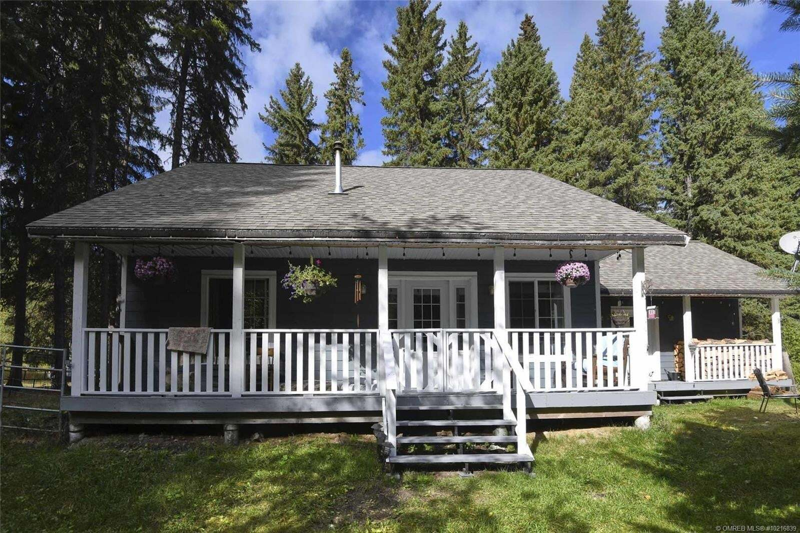 House for sale at 4161 Chase-falkland Rd Falkland British Columbia - MLS: 10216839