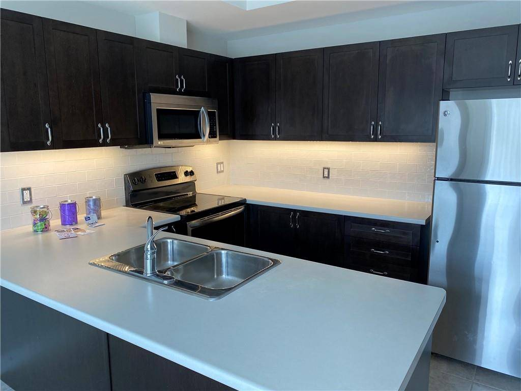 Townhouse for rent at 4169 Palermo Common Burlington Ontario - MLS: H4066781