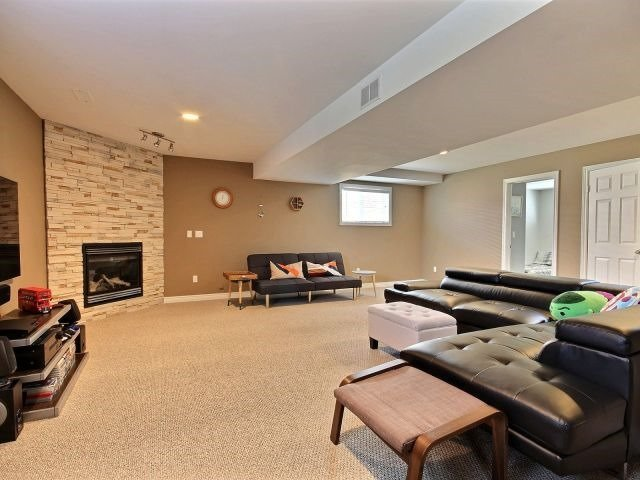 For Sale: 4169 Zurich Avenue, Windsor, ON | 2 Bed, 2 Bath House for $379,900. See 18 photos!