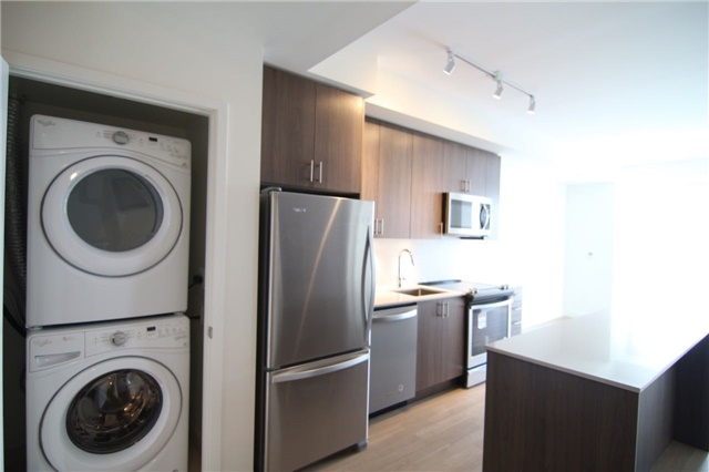 For Rent: 168 Sabina Drive, Oakville, ON | 1 Bed, 1 Bath Condo for $1,750. See 11 photos!