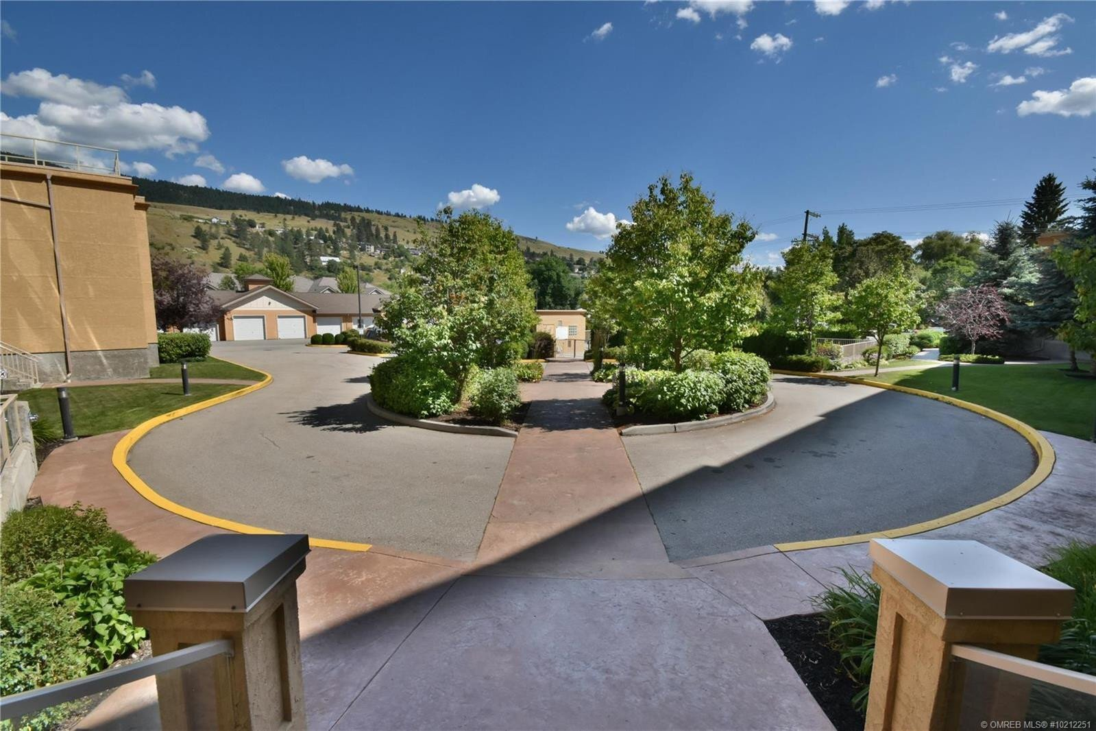 Condo for sale at 3550 Woodsdale Rd Unit 417 Lake Country British Columbia - MLS: 10212251