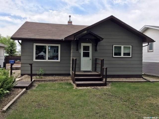 House for sale at 417 Macleod Ave E Melfort Saskatchewan - MLS: SK776541