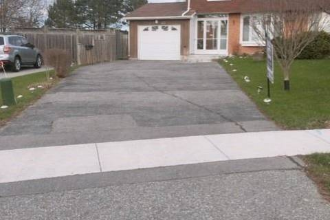 Townhouse for sale at 417 Rosedale Dr Whitby Ontario - MLS: E4482107