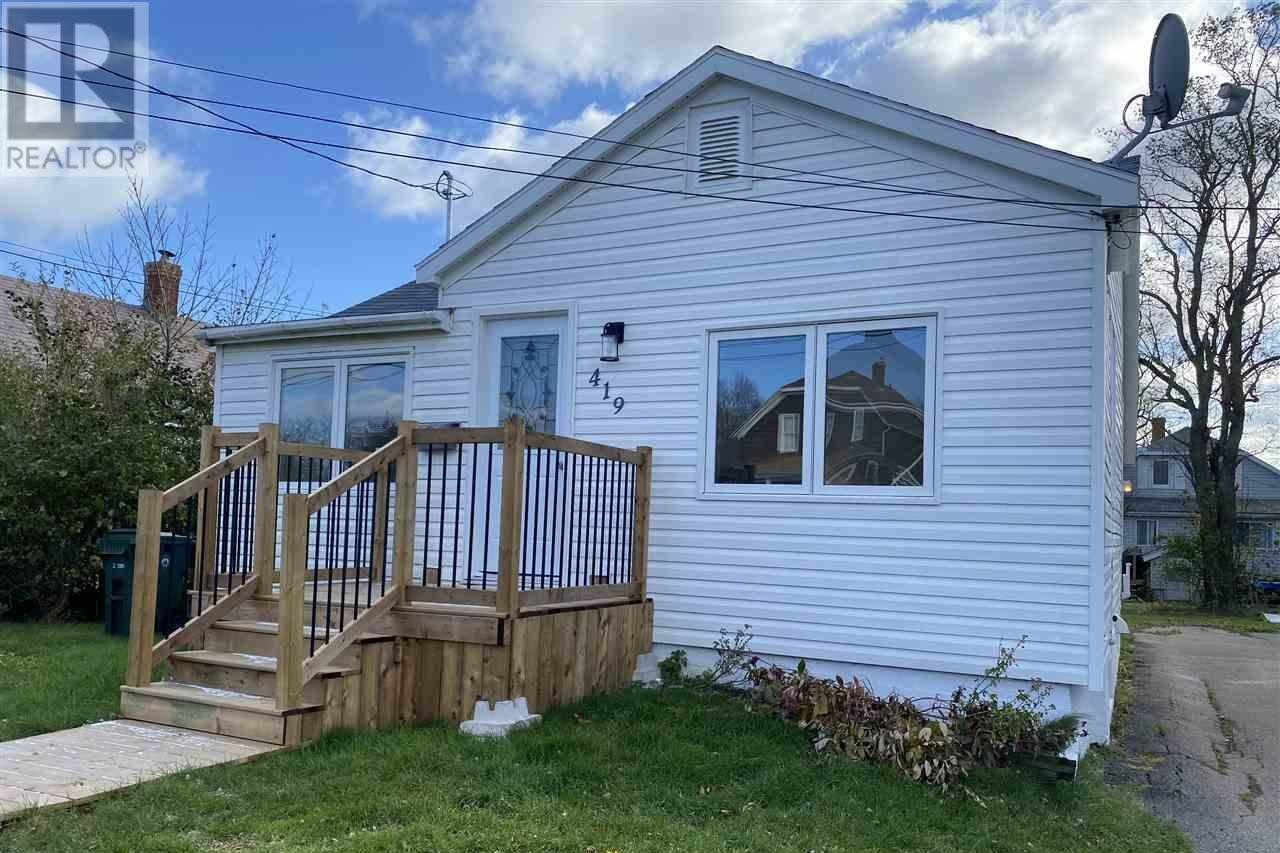 House for sale at 419 York St Glace Bay Nova Scotia - MLS: 202023107