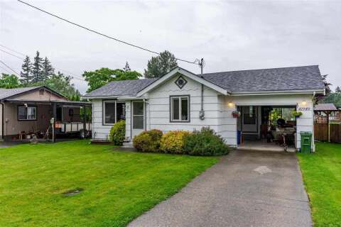 House for sale at 41949 Kirk Ave Yarrow British Columbia - MLS: R2460160