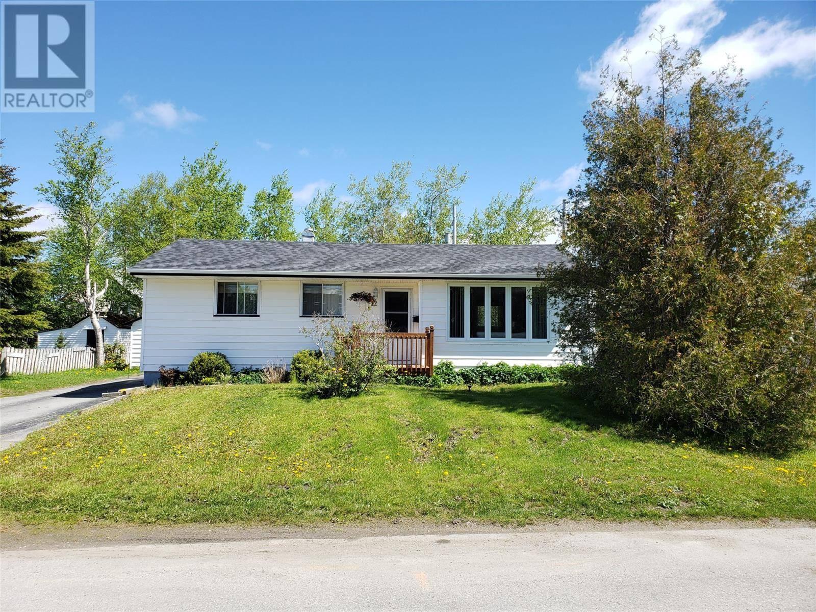 House for sale at 42 Alcock Cres Gander Newfoundland - MLS: 1198146