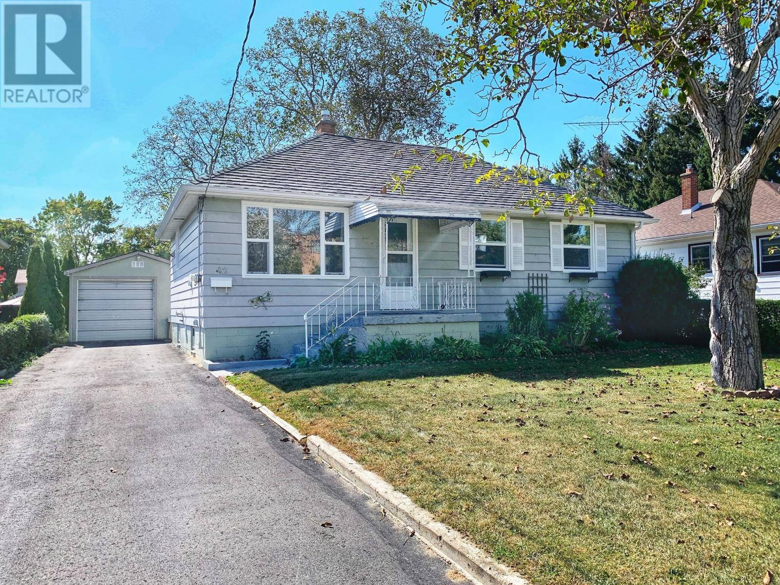 House for sale at 42 Coverdale St Chatham Ontario - MLS: 19025675