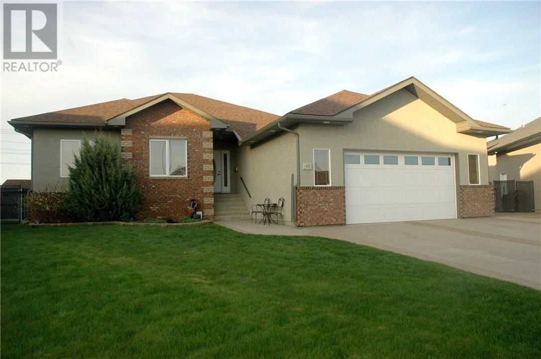 House for sale at 42 Desert Blume Cres Sw Desert Blume Alberta - MLS: mh0177374