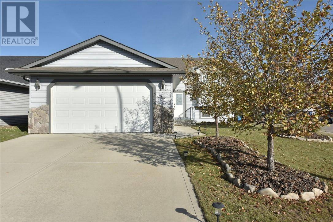 House for sale at 42 Eastpointe Dr Blackfalds Alberta - MLS: ca0181110