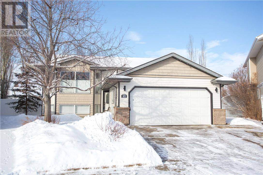 House for sale at 42 Edwards Cres Red Deer Alberta - MLS: ca0189135