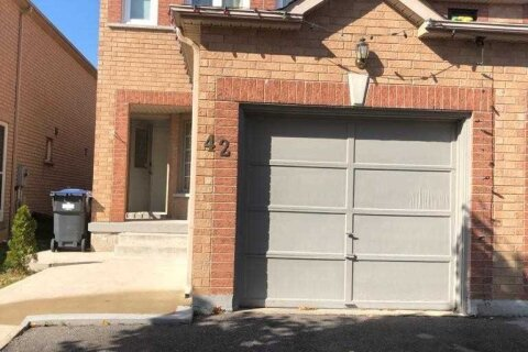 Townhouse for sale at 42 Herkes Dr Brampton Ontario - MLS: W4966383