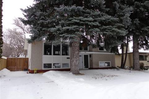 House for sale at 42 Hoeschen Cres Saskatoon Saskatchewan - MLS: SK798849