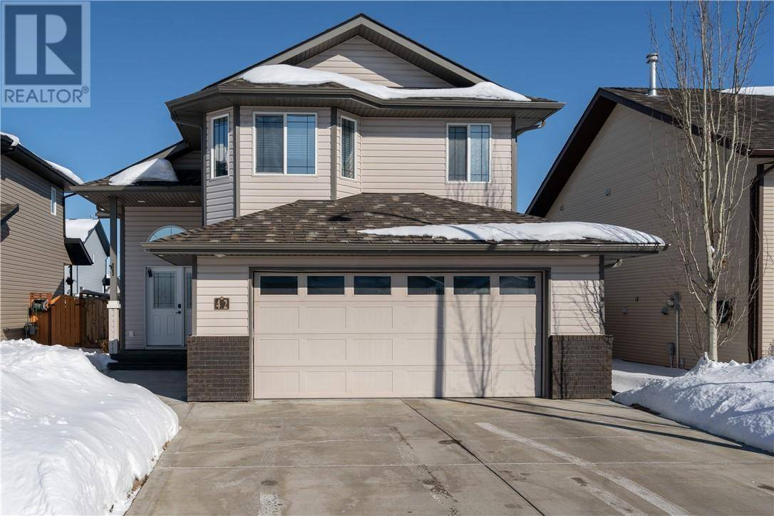 42 Landry Bend, Red Deer | Image 1