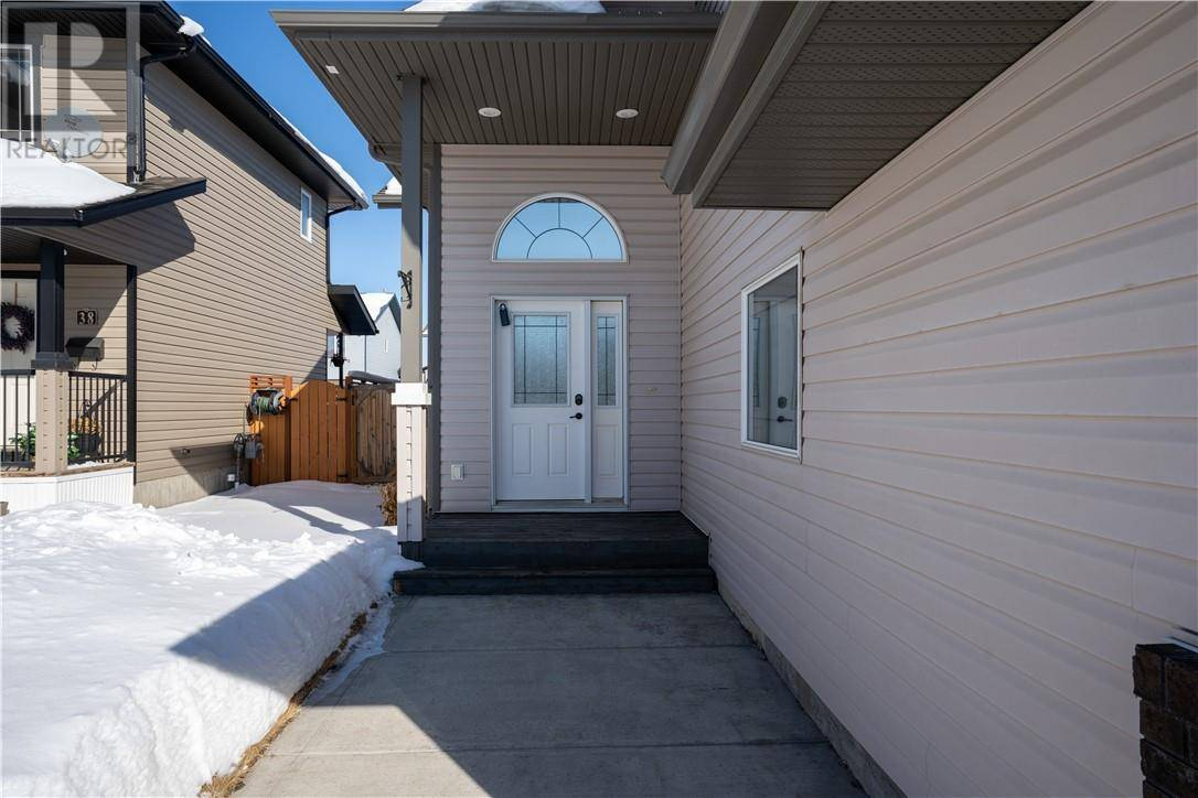 42 Landry Bend, Red Deer | Image 2