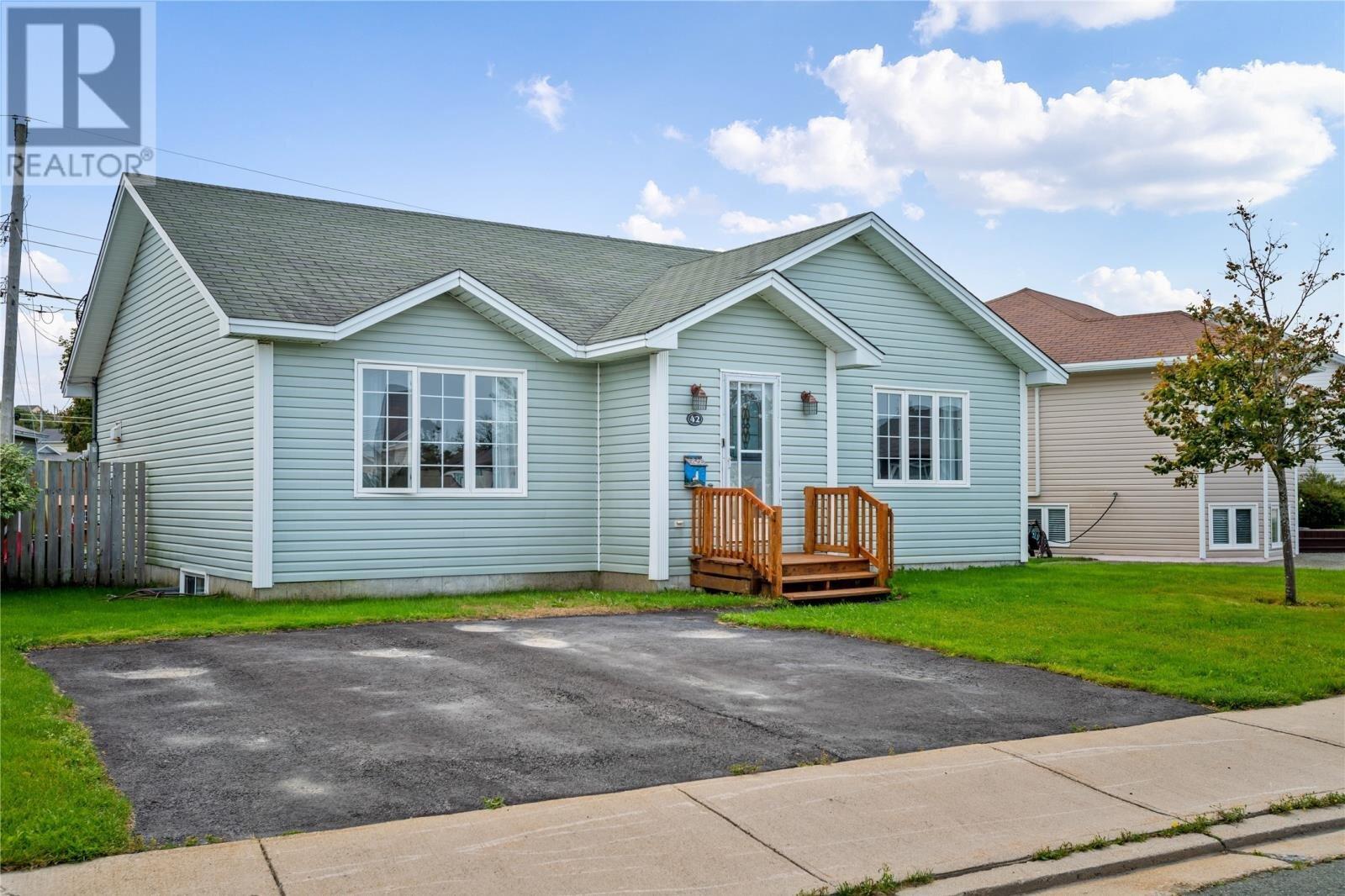 House for sale at 42 Malka Dr St. John's Newfoundland - MLS: 1224682