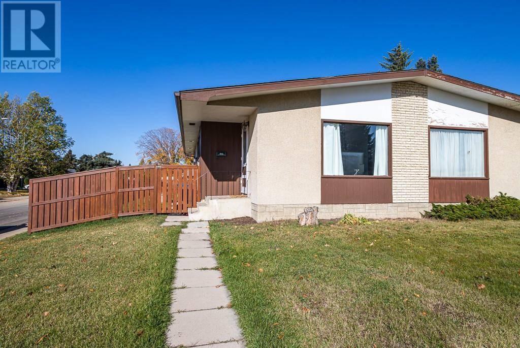 Townhouse for sale at 42 Ogden Ave Red Deer Alberta - MLS: ca0180253