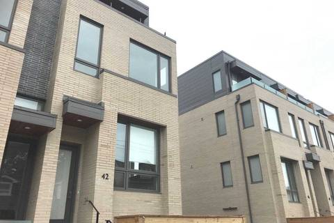 Townhouse for rent at 42 Perth Ave Toronto Ontario - MLS: C4576032