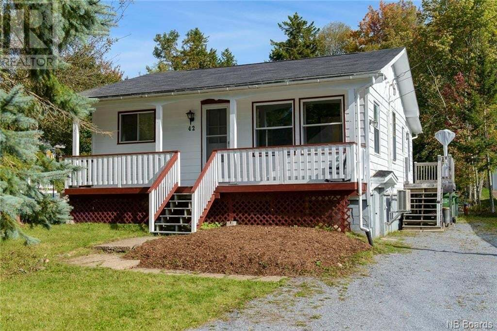 House for sale at 42 River Rd Rothesay New Brunswick - MLS: NB049919