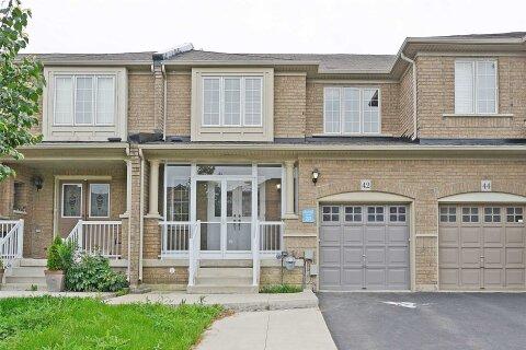 Townhouse for sale at 42 Snowshoe Ln Brampton Ontario - MLS: W4966054