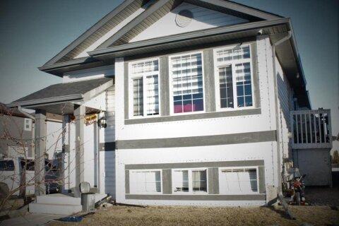 House for sale at 42 Taracove Estate Dr NE Calgary Alberta - MLS: A1055681