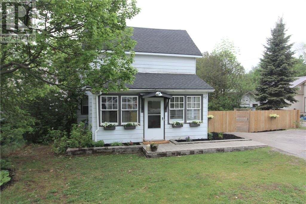 House for sale at 42 Waubeek St Parry Sound Ontario - MLS: 261806
