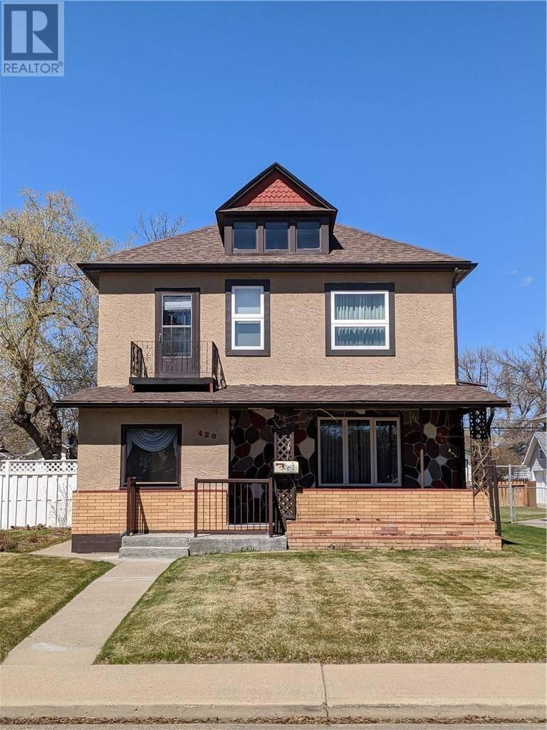 House for sale at 420 8 St Se Medicine Hat Alberta - MLS: mh0185123