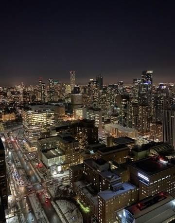 4201 - 488 University Avenue, Toronto | Image 1