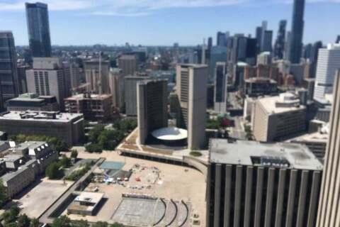 Apartment for rent at 70 Temperance St Unit 4202 Toronto Ontario - MLS: C4817710
