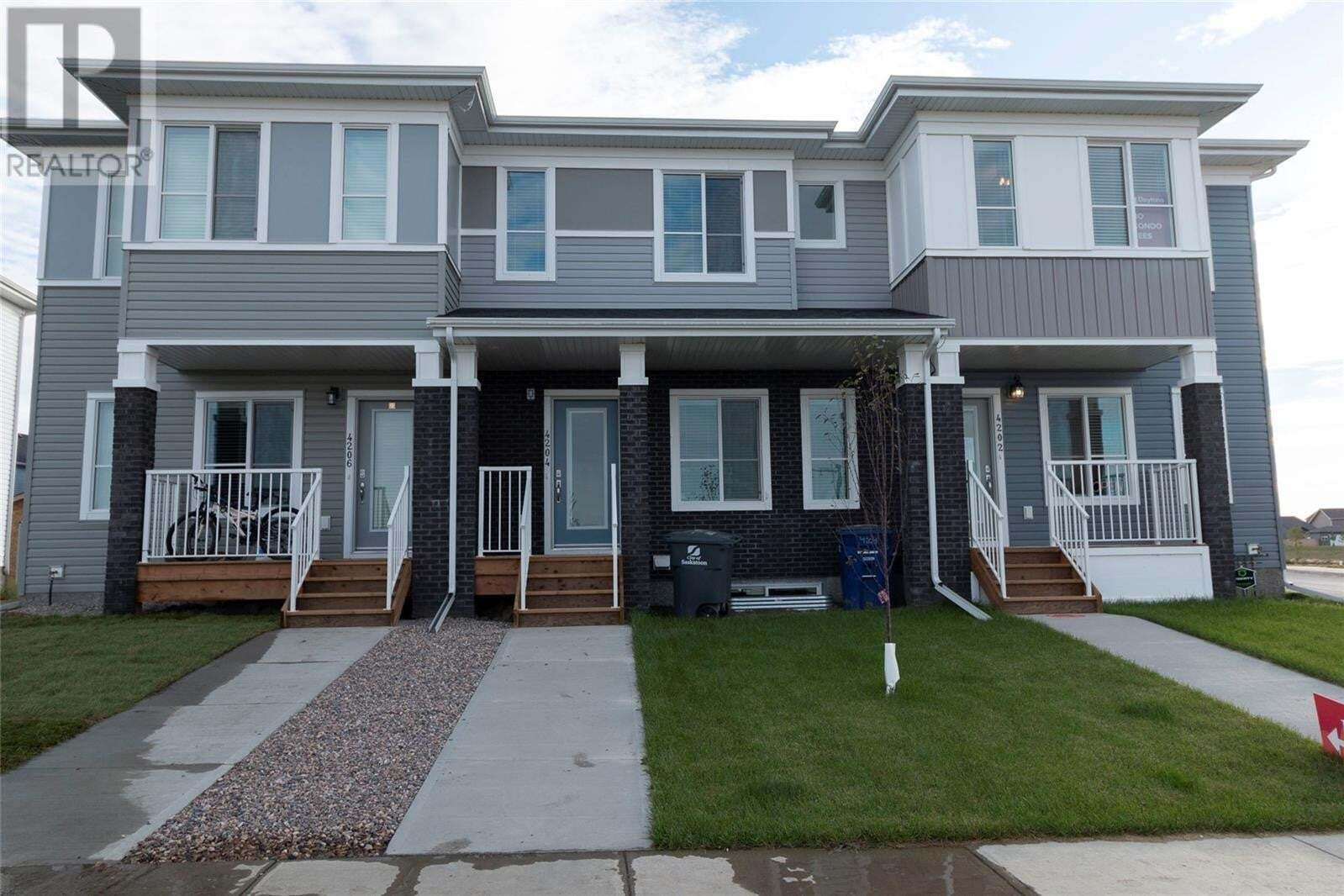 Townhouse for sale at 4204 Brighton Cir Saskatoon Saskatchewan - MLS: SK826065