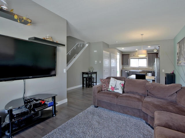 For Sale: 4207 Orchards Drive, Edmonton, AB | 3 Bed, 2 Bath House for $374,000. See 28 photos!