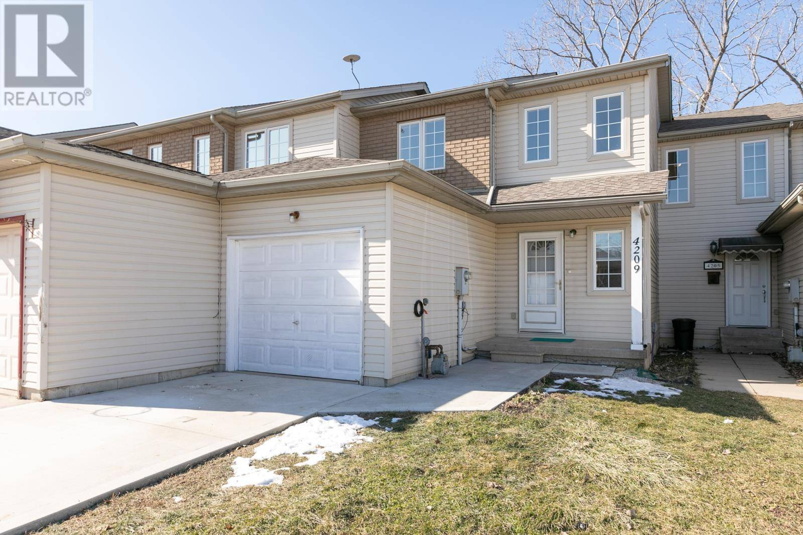 House for sale at 4209 Pioneer  Windsor Ontario - MLS: 20002011