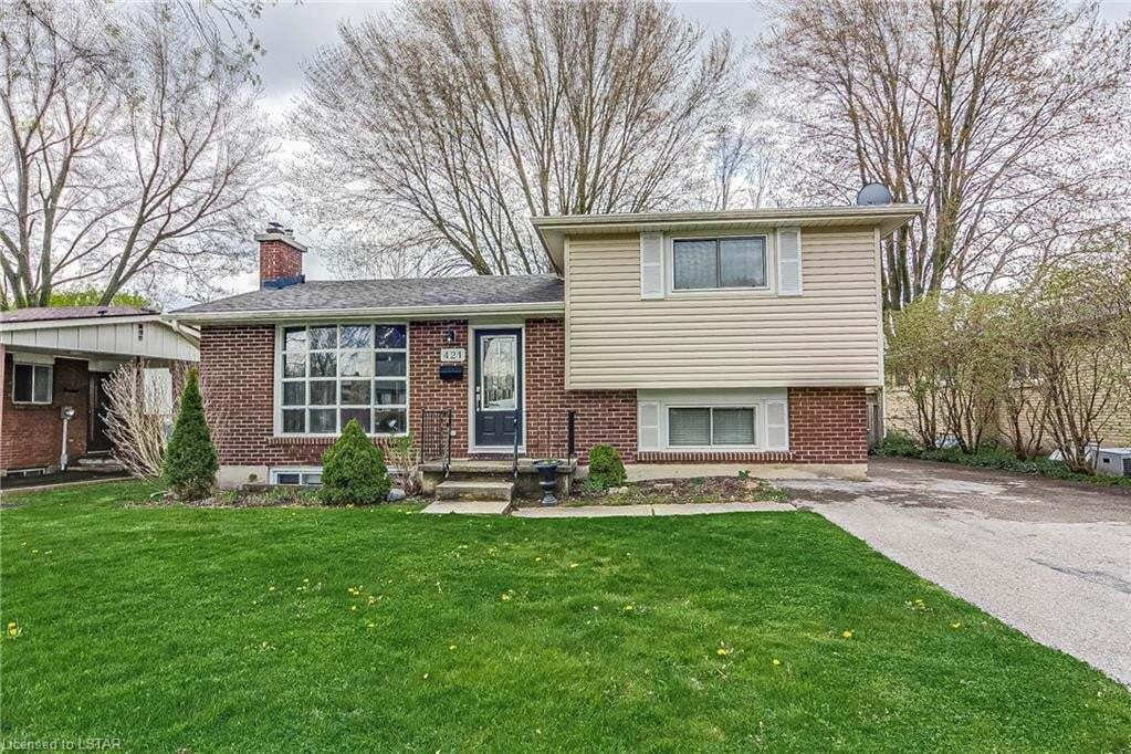 House for sale at 421 Castlegrove Blvd London Ontario - MLS: 260045