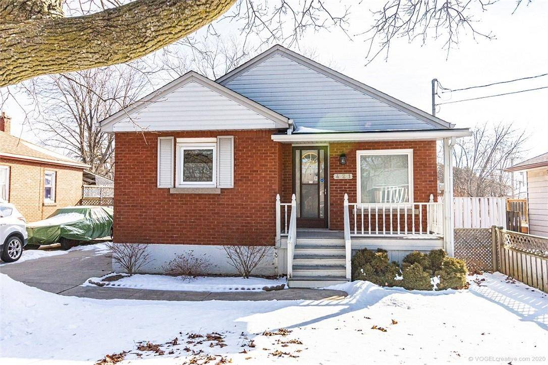 House for sale at 421 37th St East Hamilton Ontario - MLS: H4072267