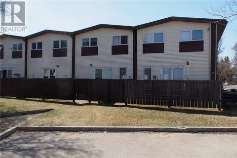 Townhouse for sale at 4212 Castle Rd Regina Saskatchewan - MLS: SK768848