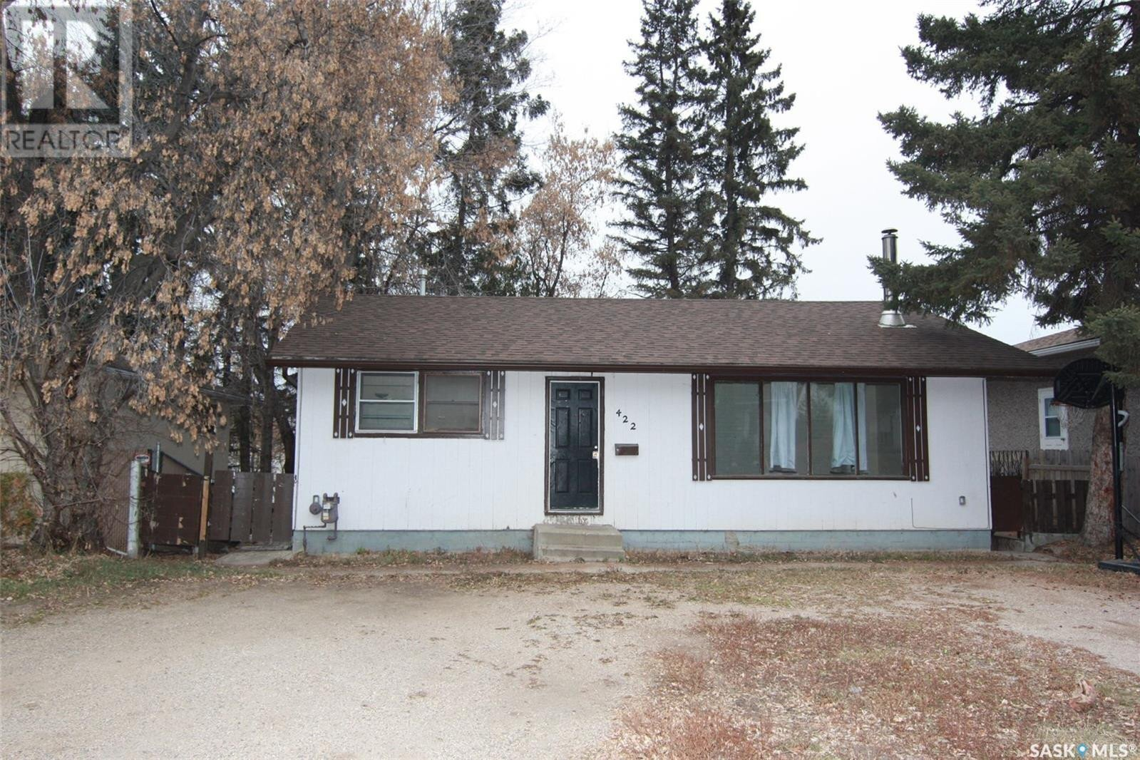 House for sale at 422 19th St E Prince Albert Saskatchewan - MLS: SK833476
