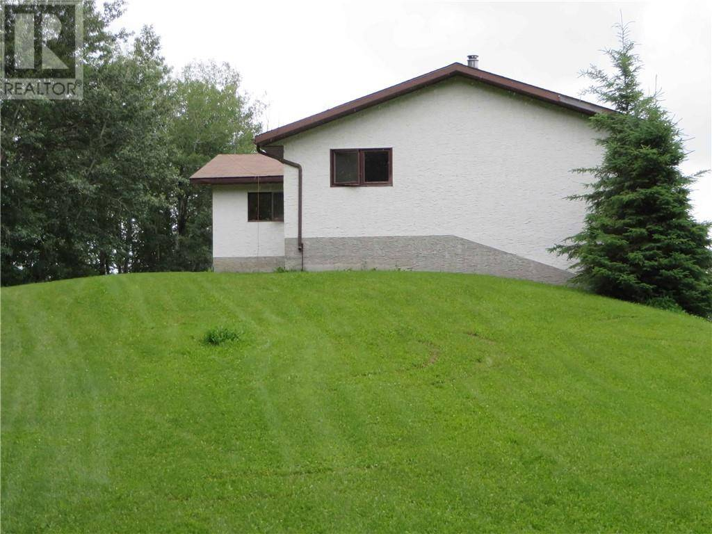 4223 Township Road, Rural Brazeau County | Image 2