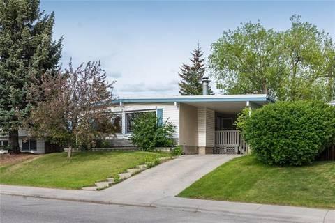 House for sale at 4228 40 St Northwest Calgary Alberta - MLS: C4249370