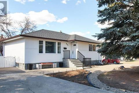 House for sale at 423 Connaught Dr Sw Medicine Hat Alberta - MLS: mh0159350