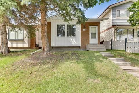 House for sale at 4231 58 St Northeast Calgary Alberta - MLS: C4264245