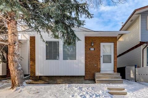 House for sale at 4231 58 St Northeast Calgary Alberta - MLS: C4281336