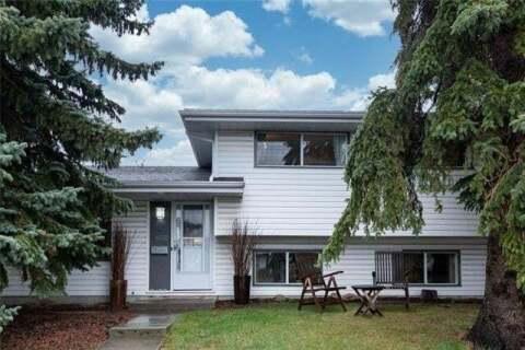 House for sale at 4232 40 St Northwest Calgary Alberta - MLS: C4297545
