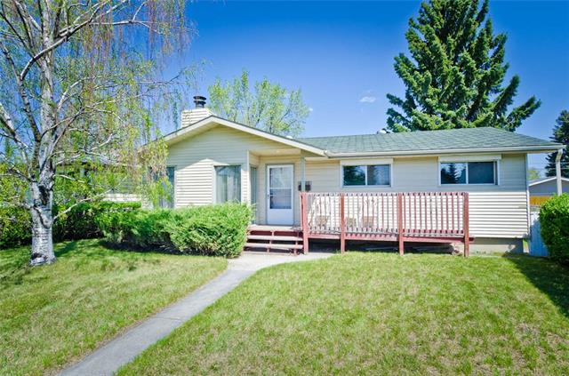 For Sale: 4232 Worcester Drive Southwest, Calgary, AB   4 Bed, 2 Bath House for $469,900. See 25 photos!