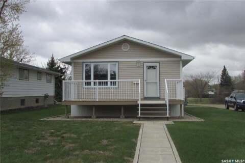 House for sale at 4235 3rd Ave N Regina Saskatchewan - MLS: SK808607
