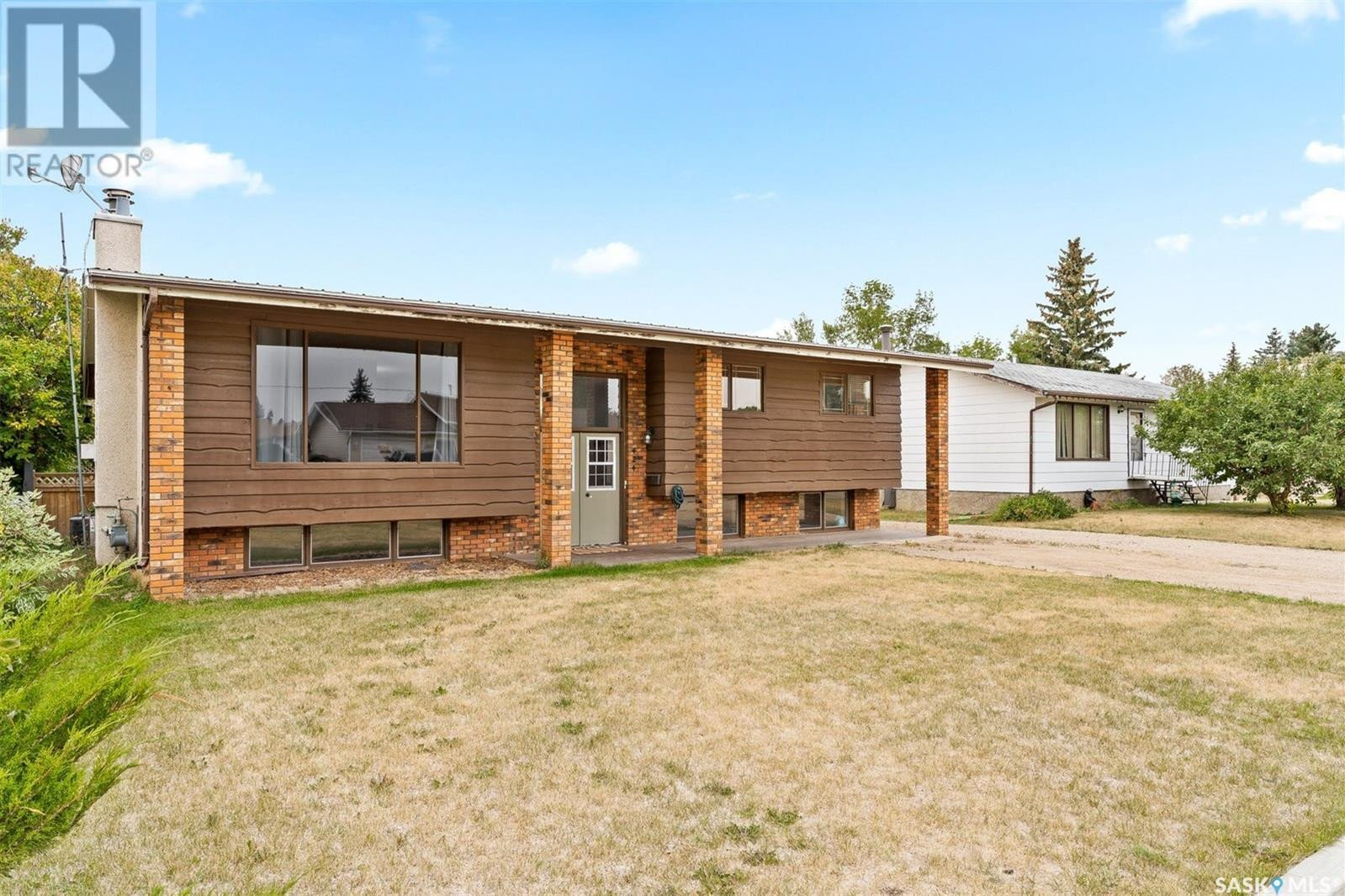 House for sale at 424 Centennial Dr Strasbourg Saskatchewan - MLS: SK826957