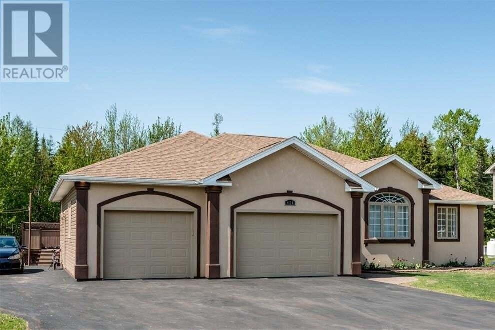 House for sale at 424 Vanier St Dieppe New Brunswick - MLS: M128634